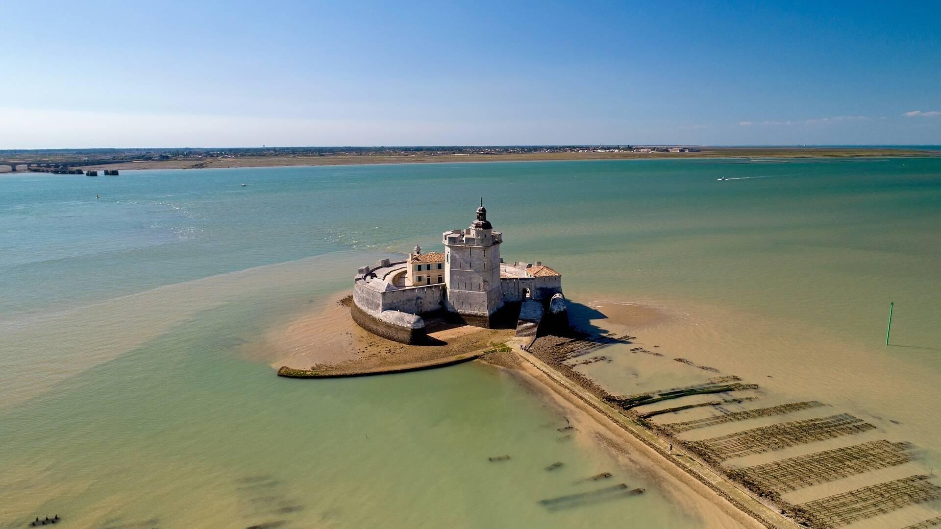 Vue aérienne du Fort Louvois - ©Shutterstock