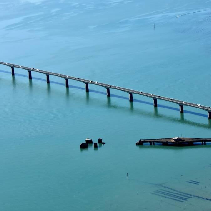De brug van het île d'Oléron en de oesterkwekerijen © FDHPA 17