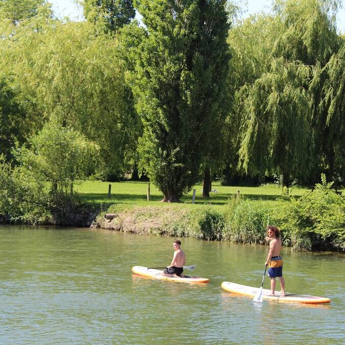 Stand-up-paddle op de Charente - ©P.Migaud / FDHPA17